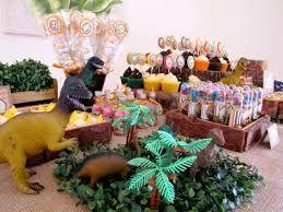 Resultado de imagen para decoracion fiesta de dinosaurios para niños