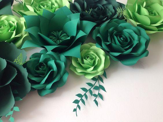 Un favorito personal de mi tienda Etsy https://www.etsy.com/listing/257334106/shades-of-green-wedding-backdrop-large