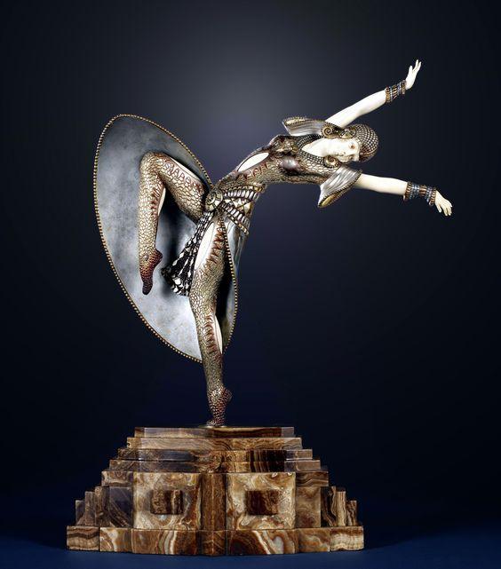 """""""Almería"""" una gran escultura de bronce y marfil por Demetre Chiparus, Francia alrededor del año 1925.:"""