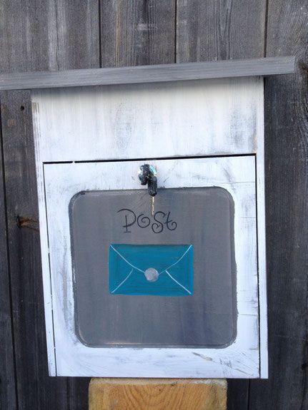 Holzbriefkasten Alley blau