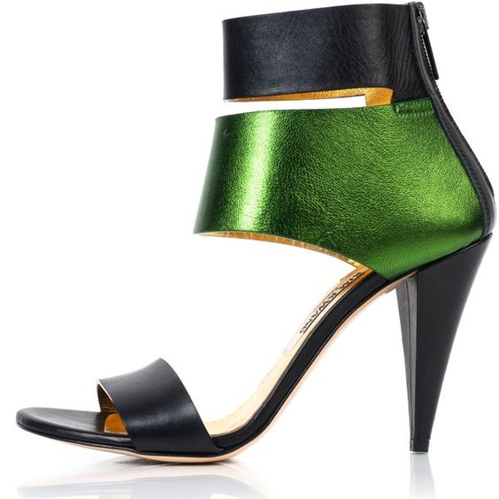 Kim Kwang - Metallic Finish Leather Sandals Green (¥96,385) ❤ liked on Polyvore featuring shoes, sandals, heels, high heel sandals, green heel shoes, metallic high heel sandals, metallic shoes and leather heel sandals