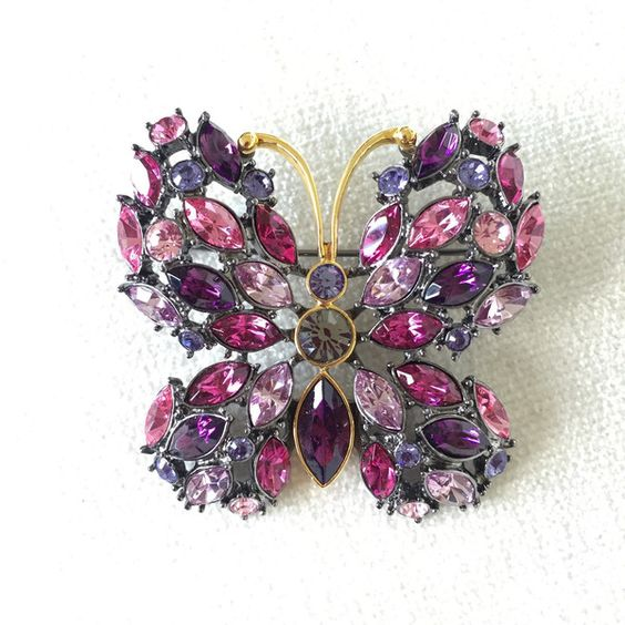 Joan Rivers Amethyst Pink Rhinestone butterfly Brooch ($64) ❤ liked on Polyvore featuring jewelry, brooches, monarch butterfly jewelry, rhinestone brooch, amethyst brooch, butterfly jewelry and pink jewelry