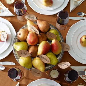 """Pears transform into a conversation-starting centerpiece with """"leaves"""" that list what your family is thankful for: Homemade Thanksgiving, Thanksgiving Ideas, Holiday Pears, Thanksgiving Centerpieces, Holidays Crafting, Diy Thanksgiving, Holidays Non Christmas, Centerpieces Goodhousekeeping, Holiday Thanksgiving"""