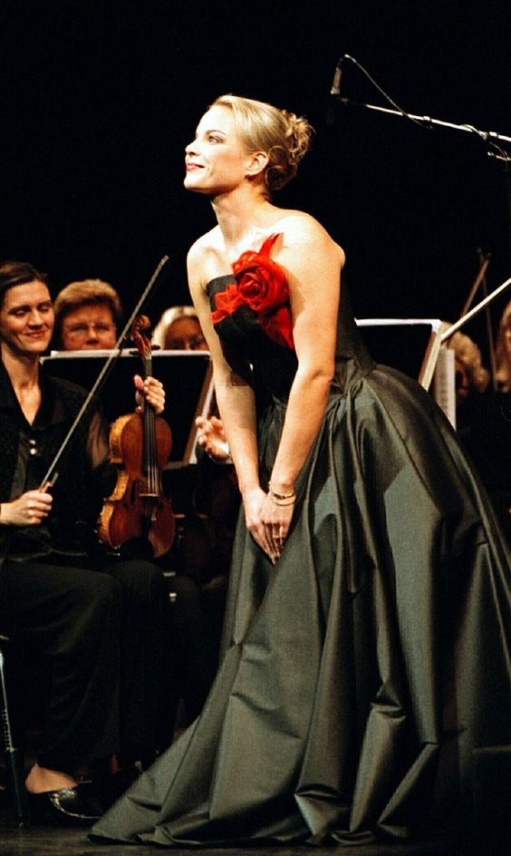 Elina Garanca, Latvian mezzo-soprano - lovely warm voice...: