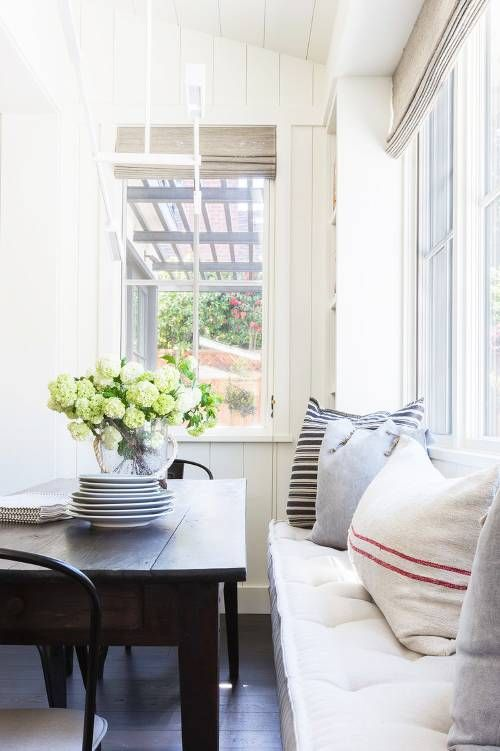 9 Small Space Decorating Tricks Designers Swear By Decorating