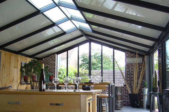 une v randa alu avec cuisine toute l 39 ann e grande et lumineuse veranda aluminium pinterest. Black Bedroom Furniture Sets. Home Design Ideas