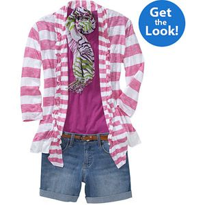 Not everyone knows how to put clothes together. But today even Walmart sells put together outfits like having a personal stylistic. Women's Scoop Tee and Shorts Beach Style Bundle with Optional Accessories