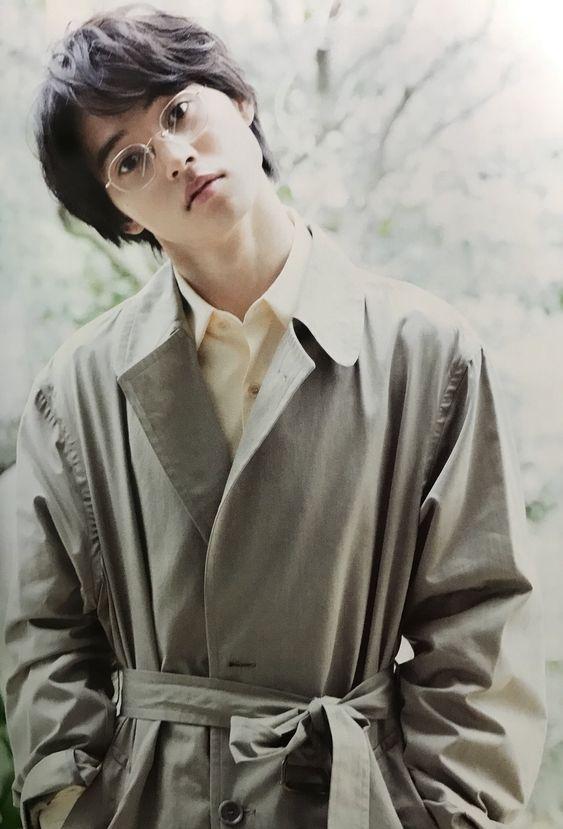 メガネをかけた山崎賢人のかわいい画像