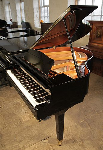 Baby grand pianos piano and babies on pinterest for Yamaha black baby grand piano