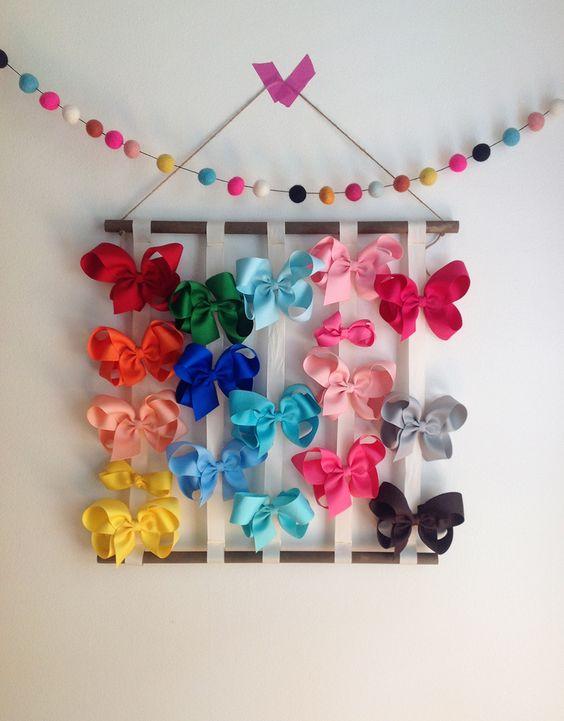 easy, DIY bow hanger