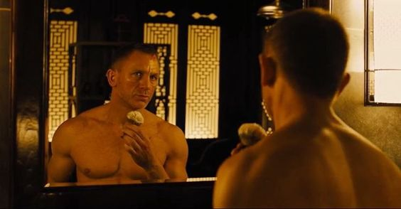 Old school style shaving by Daniel Craig in #Skyfall from 2012. #menwithclass