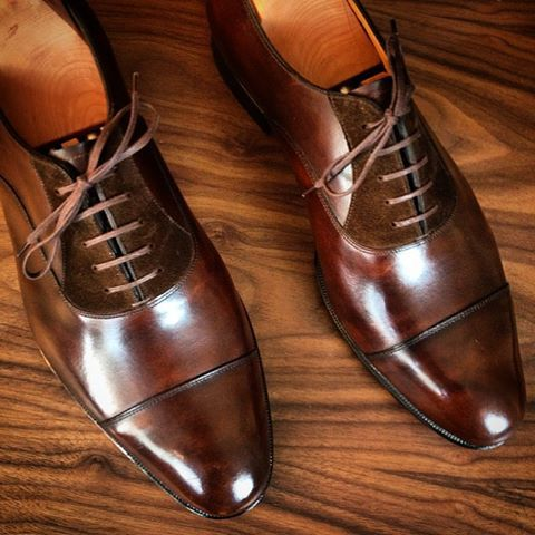 Close up on Carlins #madetomeasure #madeinengland #handmade #instashoes…
