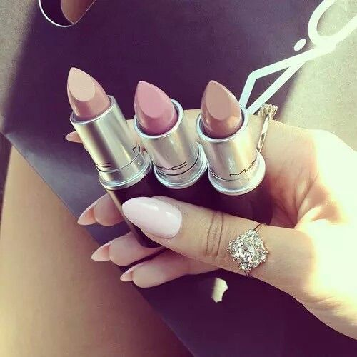 Bild über We Heart It #beauty #colors #cosmetics #lip #lips #lipstick #Lipsticks #mac #make-up #makeup #Nude #summer #maccosmetics