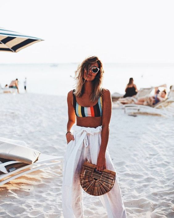 Beach outfit, summer outfit, stripes, summer bag