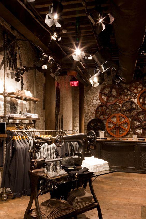 Магазин молодежной одежды в стиле лофт