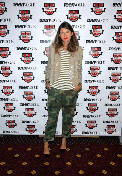Jenna Lyons Photos Photos - Designer Jenna Lyons attends TEEN VOGUE'S Fashion University at The Hudson Theatre on October 23, 2010 in New York City. - TEEN VOGUE'S Fashion University - Day 1: