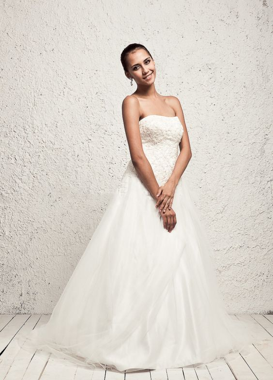 Lace Appliques Decorate Bodice Lace Up Back Wedding Dress,Style No.0bg01762,US$353.00