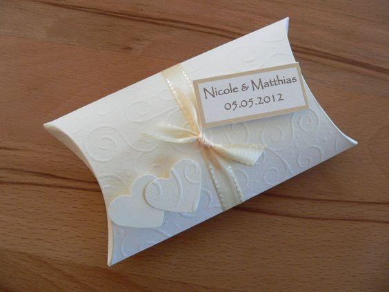 Gastgeschenk Tischkarte zur Hochzeit  von CARD-YA Kreatives aus Papier auf DaWanda.com