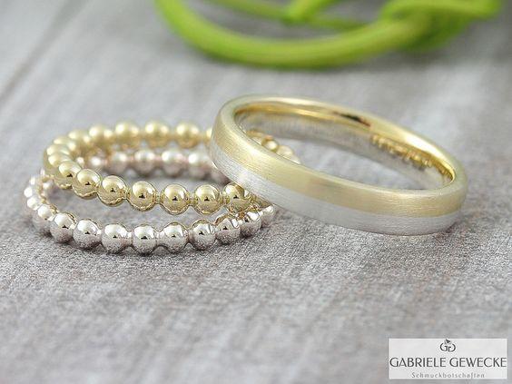 Eheringe+mal+anders,+585+Gold,+3070+von+Schmuckbotschaften+auf+DaWanda.com  #schmuckbotschaften #goldschmiede #berlin #schoeneberg #gabrielegewecke #eheringe #trauringe #hochzeitsringe #individuell #gold #silber #platin #handarbeit #handmade #jewelry #weddingsrings #goldsmith #diamond #brillant