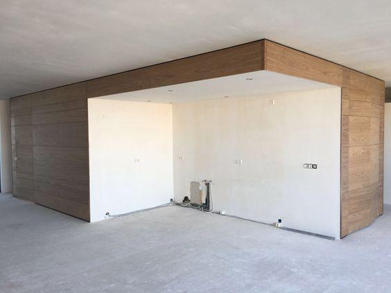 Noten houten wanden en deuren met onzichtbare scharnieren door www.sensbouw.nl