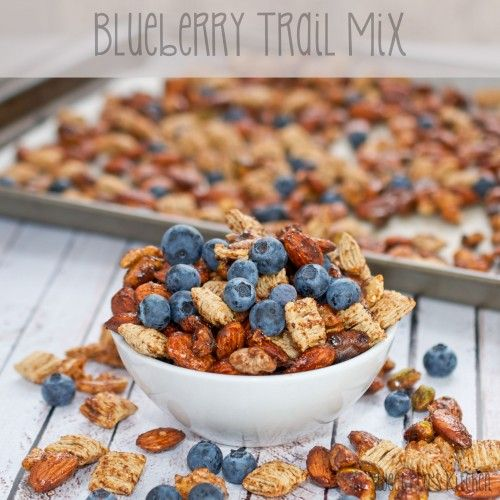 Sweet Pea's Kitchen » Blueberry Trail Mix + $25 Driscoll's Berries Giveaway