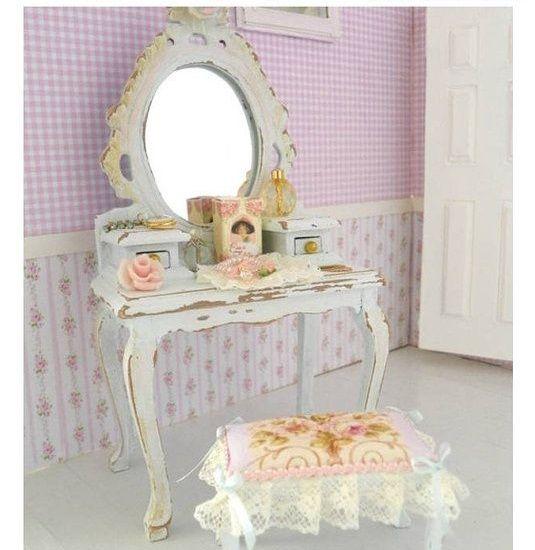 specchio-decorazioni-dettagli-oro