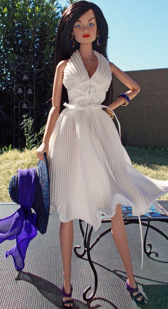 Dress:: Marilynn Monroe Style