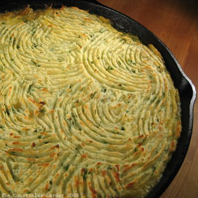 shepherds pie pan by giffconstable, via Flickr (best cottage pie recipe I've made)