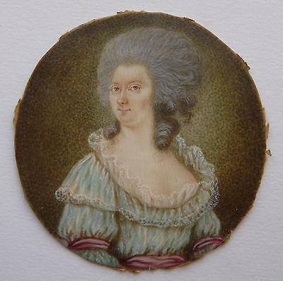 PORTRAIT MINIATURE DE DAME DU XVIIIème: