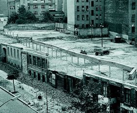Fassadenreste Bernauerstrasse 1965