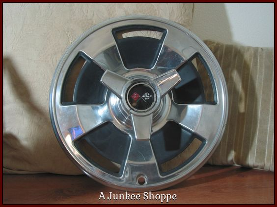 CHEVROLET CORVETTE Original 1966 5 Spoke Mag Style Hubcap With Spinner Used 988  http://ajunkeeshoppe.blogspot.com/