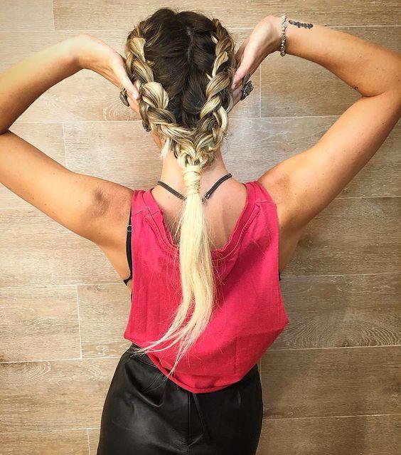 """""""Mais uma famosa apostando na trança de boxeadora! A @gio_ewbank escolheu o penteado para ir no show dos @rollingstonesreal  Adoramos! #regram #penteados"""""""