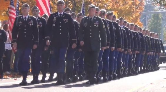 Stirring Video: Crowd of 2,000+ Flood Street to Block Westboro Baptist from Protesting Army Rangers Funeral Procession October 20 2013