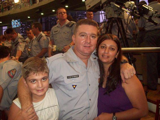 Mais uma foto da familia Pesseghini que teve suas vidas ceifadas por serem honestos.Aguardamos justiça.Não foi o Marcelo Eduardo Bovo pesseghini.