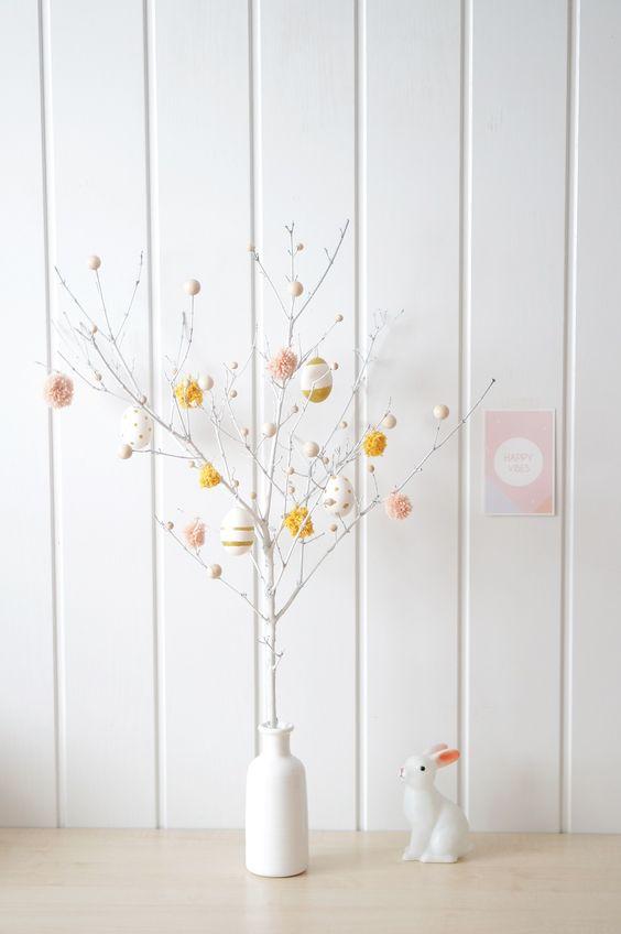 Créez avec vos enfants... un arbre de Pâques. Réalisation : Caely