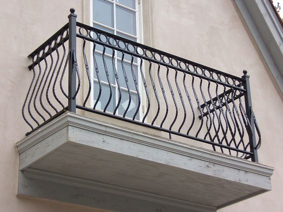Indoor wrought iron railings wrought iron railings for Indoor balcony railing