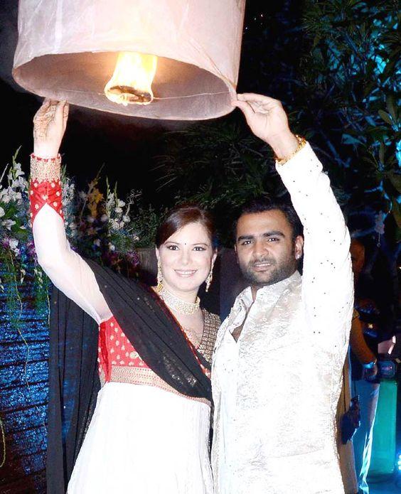 Sachiin Joshi and wife Urvashi Sharma at Raina Joshi's Diwali bash. #Bollywood #Fashion #Style #Beauty