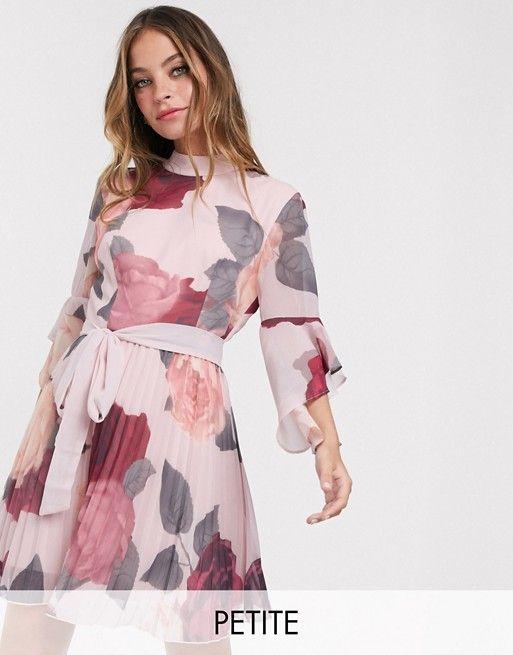 Chi Chi London Petite Mini Dress In Floral Print Asos In 2020 Petite Mini Dresses Chi Chi London Dress Mini Dress
