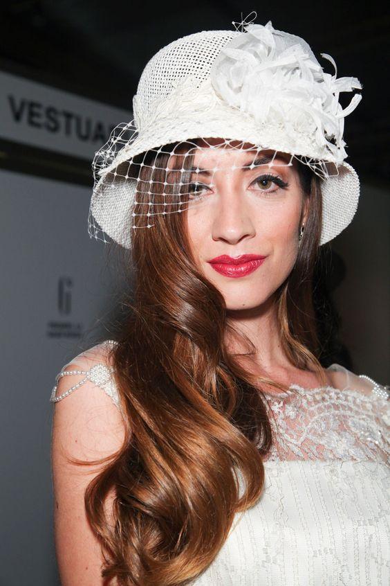 Inspiration: les plus belles coiffures des mariées de défilés | Femina