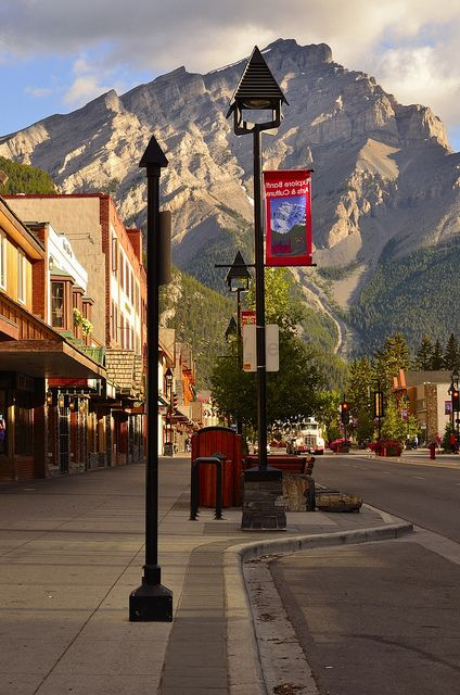 Banff, Canada.......such a beautiful place, everyone should put Banff and Jasper on their bucket list !!!!!!!!