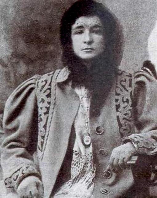 Enriqueta Martí, la vampira del carrer ponent 8bedb41cb894878f6122f997f870c69a