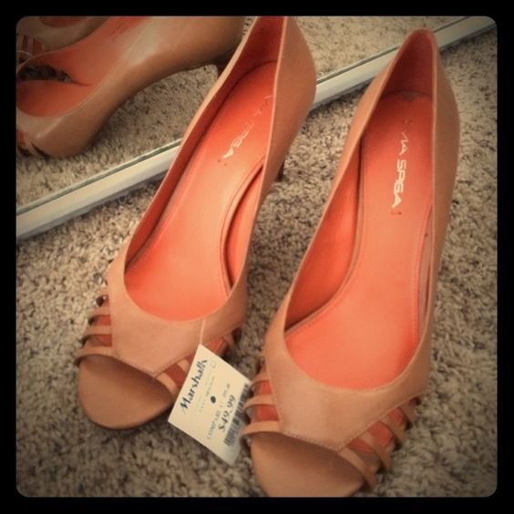 Tan open-toed heels Never worn cute tan heels. Perfect with summer dress Via Spiga Shoes Heels