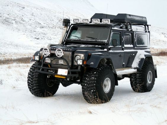 Land rover defender i like two storage boxes on top nicely