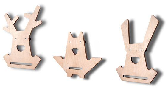 Appendiabiti in legno con le forme di gufo, renna e coniglio. Utili per appendere gli indumenti, per arredare la cameretta e per giocare con i travestimenti! - the lil' market