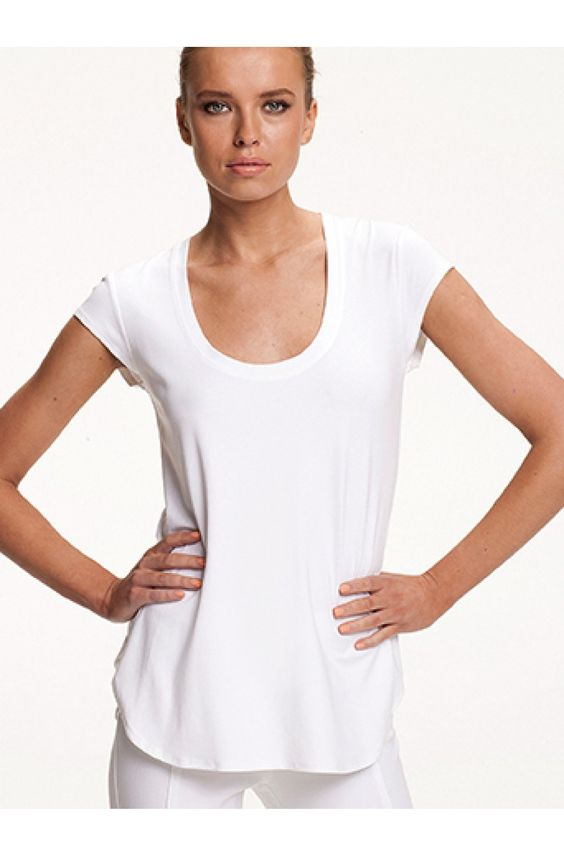 Travel cap top - MELA PURDIE - Brands  Mela Purdie fitted cap sleeve t-shirt with witrh scoop neck and curved hemline making it a flattering style for all sizes.  https://www.ignazia.com.au/