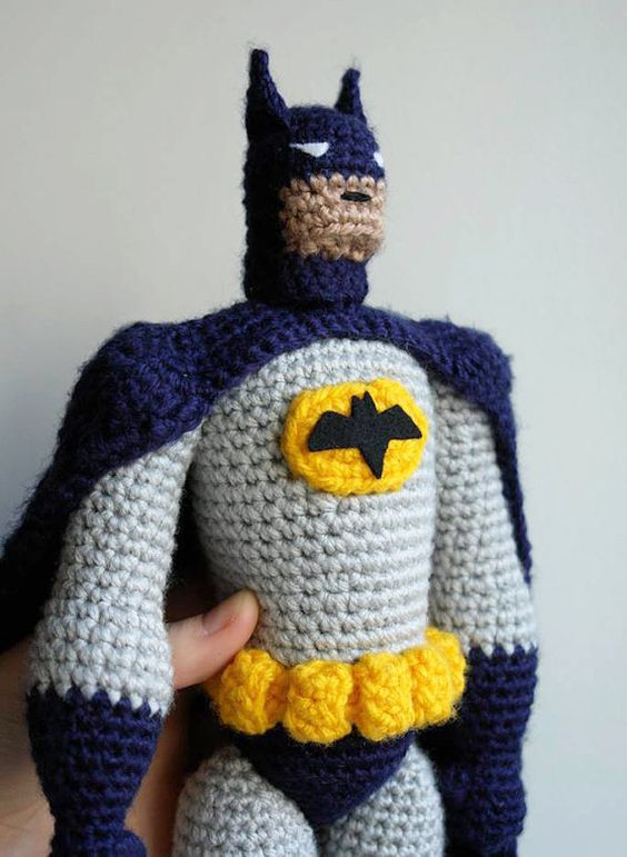 Free Amigurumi Batman Pattern : Toys, Crochet toys patterns and Realistic dolls on Pinterest