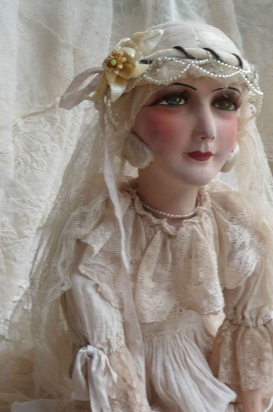 ANTIQUE FRENCH BOUDOIR DOLL.PARIS.EDWARDIAN WEDDING.SILK. LACE.C 1920: