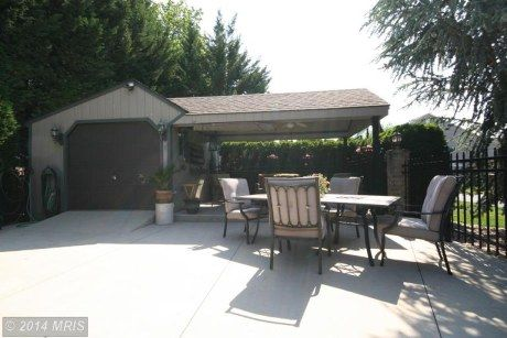 Great home with pool, 3 bay garage and cabana for pool, nice lay out and landscape. Longer commute, great price.