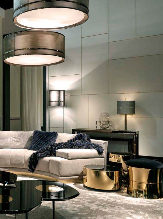 Cosy home with Fendi Casa Artù sofa and gold Constellation coffee tables  #homedecorideas #interiordesign #livingroomideas luxury homes, living room decor ideas, luxury design . See more inspirations at homedecorideas.eu/