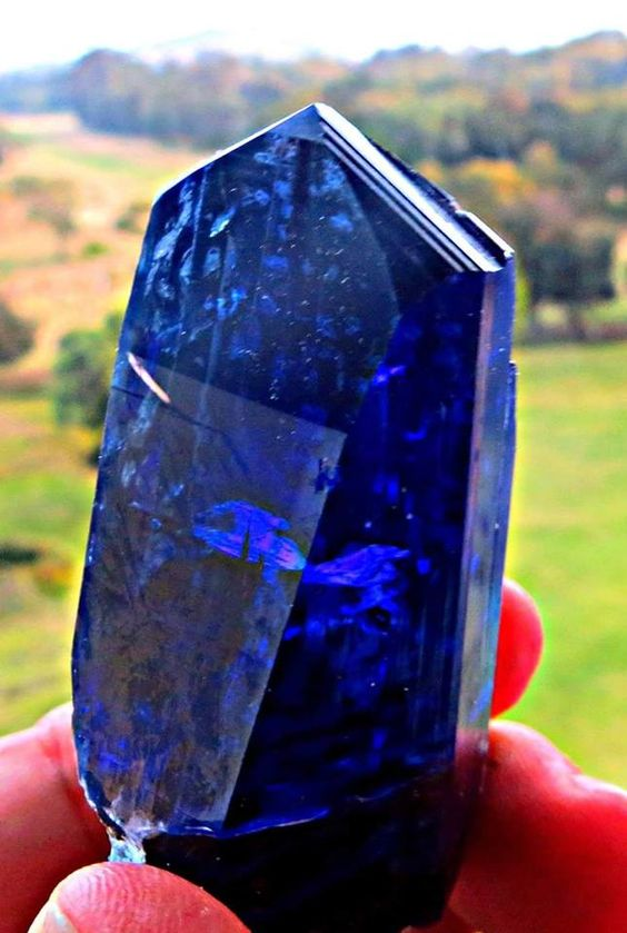 Beautiful Tanzanite crystal from Tanzania South Africa.   Via: Steve Ulatowski and New Era Gems: